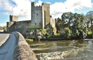 Things to do in County Tipperary, Ireland - Cahir Castle - YourDaysOut