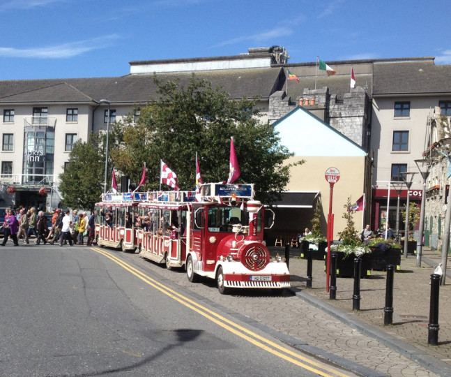Things to do in County Galway, Ireland - Galway Tourist Train - YourDaysOut